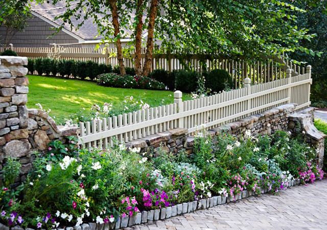 10 Beautiful And Cheap Garden Fence Ideas For Privacy Green Gold